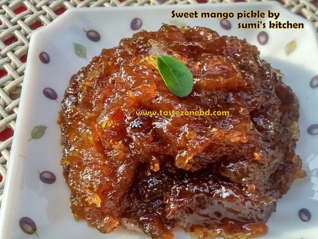 Sweet mango pickle (Aam er misti achar)